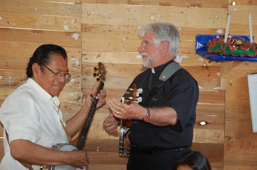 Then-SAMS missionary and fellow banjo enthusiast Fr. Ian Montgomery enjoyed accompanying Padre Benjamin.